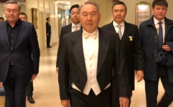 Нурсултан Назарбаевпокинул Казахстан и находится вОАЭ. Там  он будет проходить «посткоронавирусную терапию»