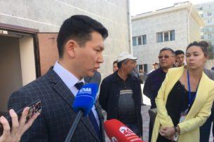 Адвокаты Атамбаева будут просить суд проводить заседания без него