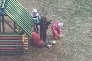Набросились толпой: в садике жестоко избили ребёнка. Видео