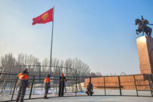 В Бишкеке решили установить две новогодние елки