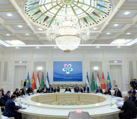 Сооронбай Жээнбеков: Кыргызстан выступает за равный учет интересов стран Центральной Азии в водно-энергетической сфере