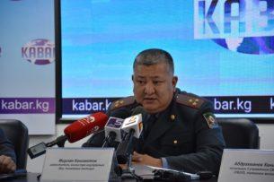 Патрульная милиция Бишкека не сразу справилась с мужчиной с ножом из-за плохой физподготовки