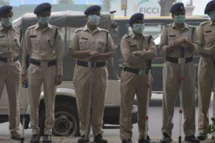 Небывалый смог в Дели: Верховный суд обвиняет правительство, люди задыхаются