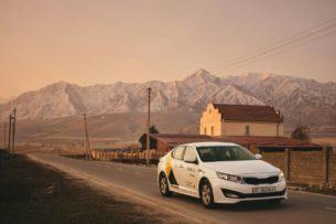 «Яндекс.Такси» запустил в Бишкеке два новых тарифа: «Комфорт» и «Комфорт+»