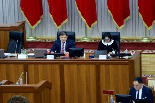 Без биометрики кыргызский паспорт получить невозможно. Заместитель спикера ЖК не согласна с этим