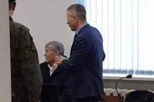 Просто встал и ушел: Алмазбек Атамбаев покинул зал судебного заседания в ГКНБ