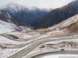 Руфер из Новосибирска сделал удивительные кадры заснеженных гор Кыргызстана