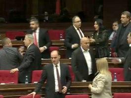 Тема «воров в законе» стала поводом для «выяснения отношений» в парламенте Армении