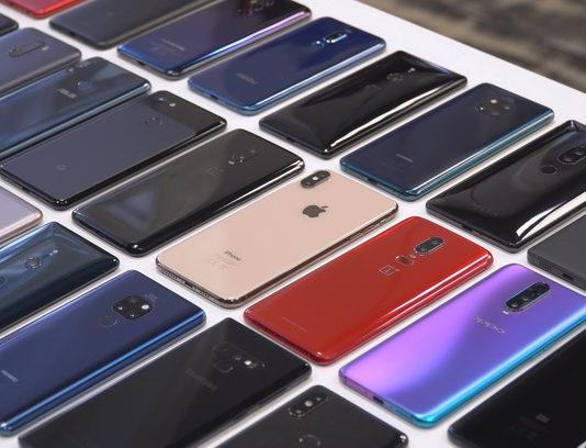 Мировые продажи смартфонов рухнули на 14% из-за пандемии