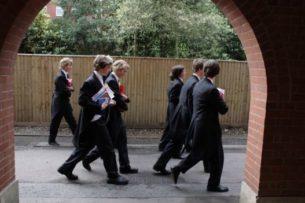 Побороть неравенство. Оксфорд и Кембридж обязали принимать больше студентов из бедных семей