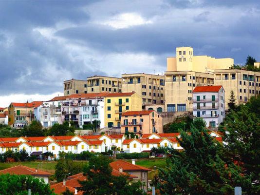 Итальянский город предлагает бесплатное жилье всем, кто в него переедет. Однако, есть некоторые условия