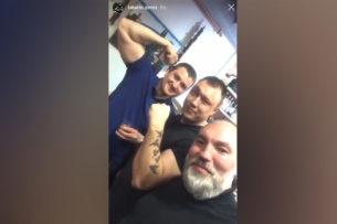 В России силовики отметили повышение коллеги под лозунги «АУЕ» и «Жизнь ворам» (видео)