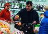Председатель КГБ Беларуси лично покупает продукты в магазине. Его выследили блогеры