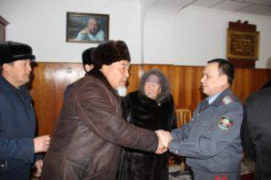 Глава МВД Кыргызстана встретился жителями Алайского района, которые жаловались на  Матраимовых