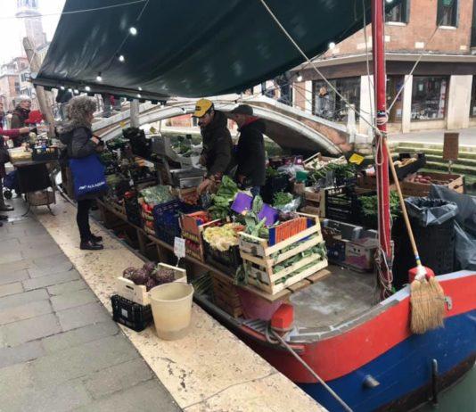 Италия: страх перерастает в гнев. У людей закончились деньги на самые необходимые продукты