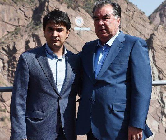 Эксперт назвал пять основных признаков транзита власти в Таджикистане