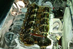 От чего чернеет масло в двигателе авто. Перечень причин от экспертов