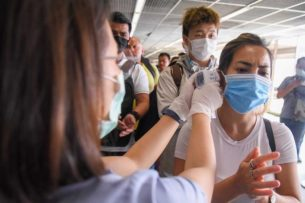 Число жертв коронавируса в Китае достигло 1770