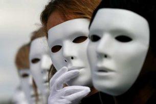 Люди не меяются, они просто меняют маски