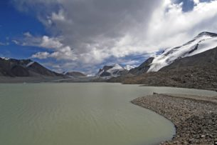 Нашли тело экскаваторщика, который утонул в озере Петрова на месторождении Кумтор