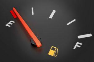 Действия водителя, которые увеличивают расход топлива