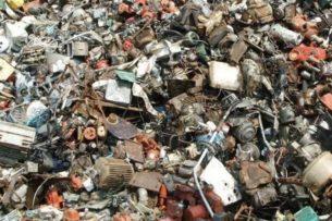 Фотозагадка: пользователям предложили отыскать кота на мусорной свалке. Отыскать животное удается только 11% людей
