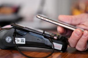 Личные данные пользователей iPhone и iPad под угрозой