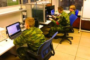 «Отключить интернет в небольшой стране». Хакеры рассказали о новом кибероружии, заказанном ФСБ