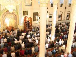 В Таджикистане отменили общественный намаз в мечетях