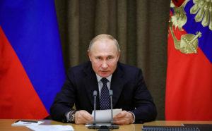 Эксперты: «Путин, по сути, превращается в монарха»