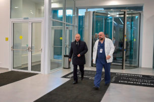 Путин посетил больницу для зараженных коронавирусом
