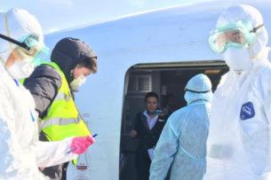 Помещенные на карантин казахстанцы пили алкоголь в больнице