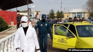 Узбекистан ввел наказание за оскорбление переболевших коронавирусом