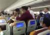 Экипаж самолета вступил в схватку с гражданкой Китая, которая намеренно покашляла на стюардессу
