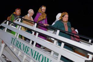 Туркменских паломников предупреждают о возможной отмене хаджа в Мекку