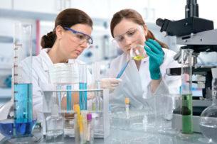 Ученые назвали усиливающие коронавирус лекарства