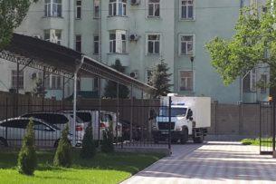 Суд по делу о кой-ташских событиях отложен из-за неявки некоторых адвокатов и Алмазбека Атамбаева