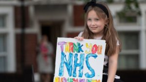 за последние три недели резко выросло число поступающих в больницы детей с необычным воспалением.