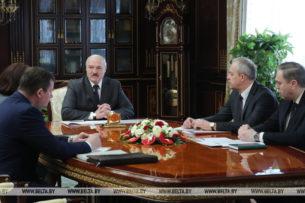 Лукашенко приказал выдворять иностранных журналистов и критикует чиновников за нерешительность