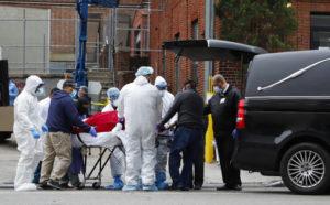 Смертность от коронавируса растет в США