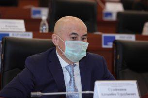 Нет никаких конкретных результатов работы: Депутат Алтынбек Сулайманов раскритиковал премьер -министра