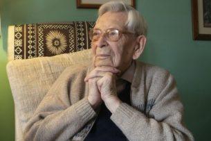 Умер самый старый мужчина в мире. Ему было 112 лет