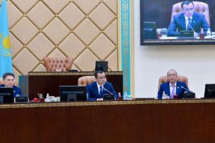 Маулен Ашимбаев избран председателем Сената парламента Казахстана