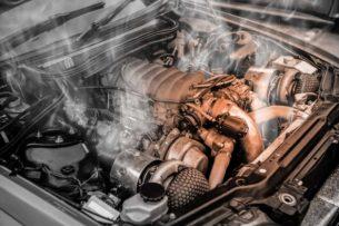Почему многие водители глушат двигатель только через минуту после остановки?