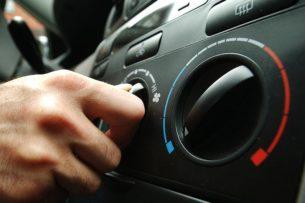 Когда стоит чистить кондиционер в авто, как это делать и какими средствами