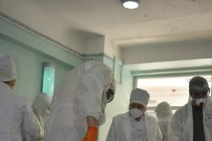 За сутки COVID -19 выявили у 12 медиков Кыргызстана