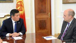 Президент КР Сооронбай Жээнбеков 29 августа 2019 года принял главу корпорации «Радио Свободная Европа/Радио Свобода» Джейми Флая, 29 августа 2019 г.