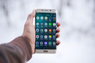 Эксперт напомнил правила безопасного использования мобильных приложений