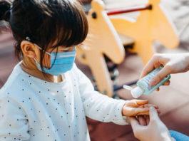 Врачи назвали главные симптомы коронавируса у детей