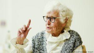 Самый старый депутат Германии ушла на политическую пенсию в 101 год (фото)